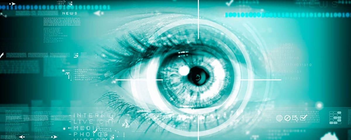 Nachtsichtaufnahme einer Pupille