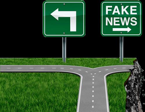 """Straßenkreuzung mit zwei Schildern. Links ein Pfeil, Rechts ein Schild mit Aufschrift """"Fake News"""""""